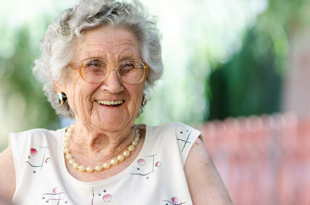 Sara's Quest to Change the Visual Portrayal of Later Life #NoMoreWrinklyHands