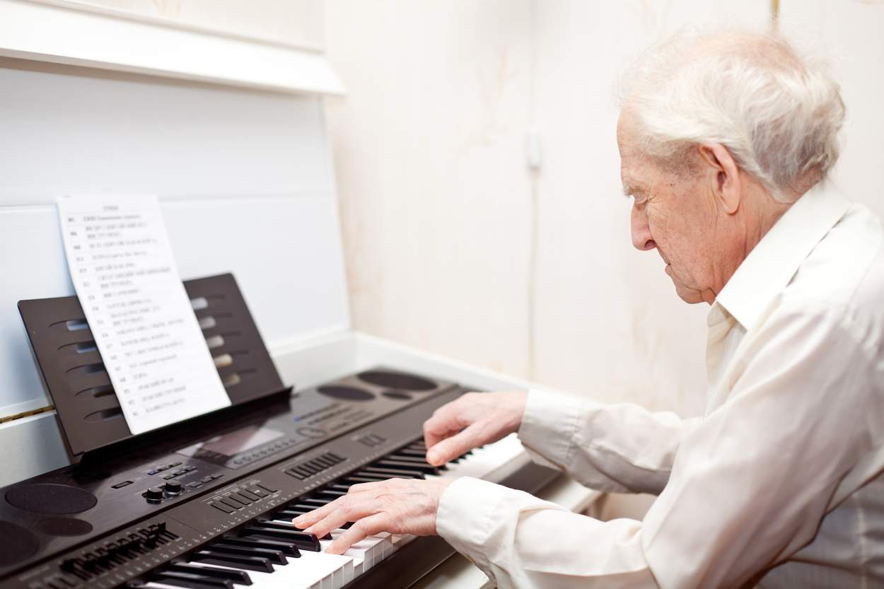 Close Harmony: The Power of Music in Dementia